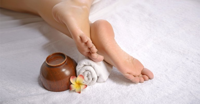 Home Remedies to Heal Cracked Feet